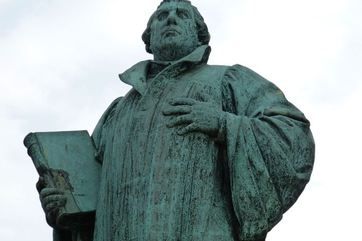 luther-566469_960_720-740x493